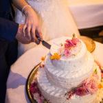 Aansnijden van de bruidstaart - Bakkerij Bosgoed