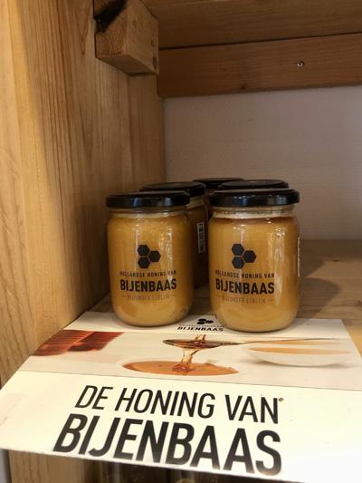 Bijenbaas honing bij Bakkerij Bosgoed