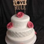 Bruidstaart met rozen - Bakkerij Bosgoed